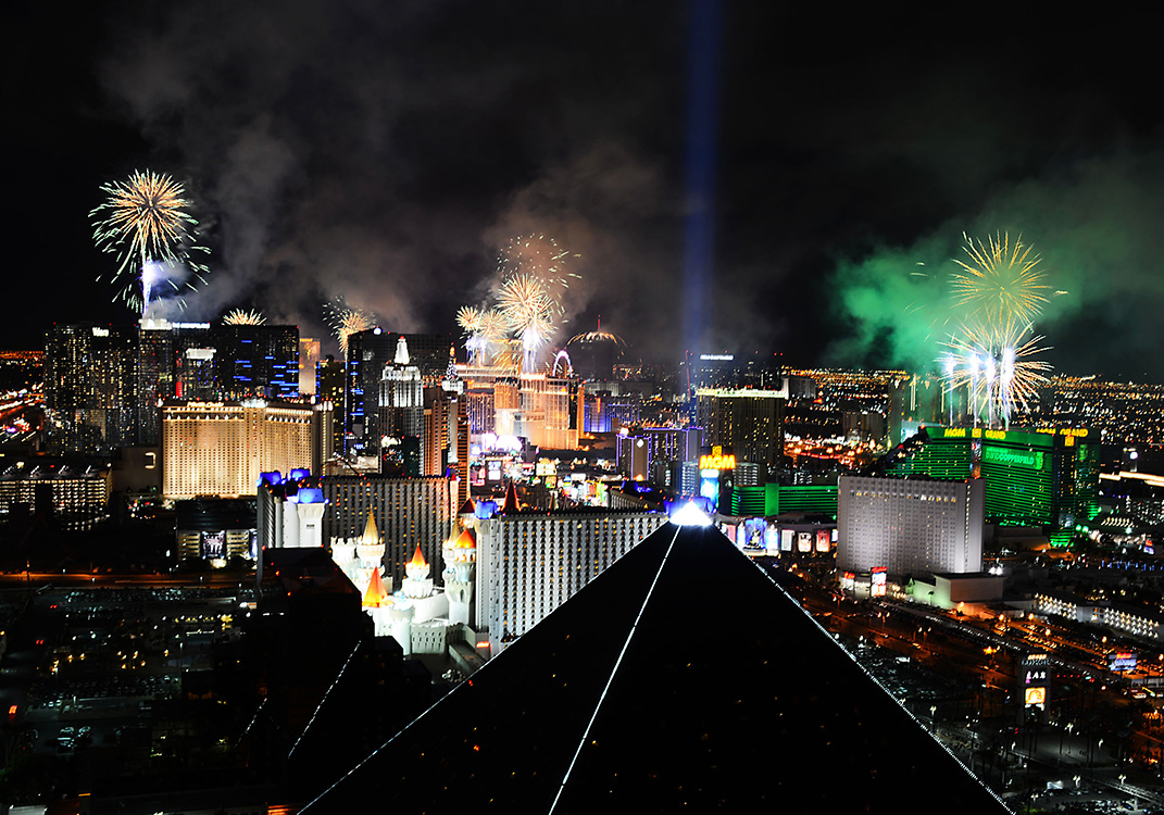 Fireworks   New Year s Eve Celebrations 2015   Las Vegas Top Picks Fireworks explode in 2015 New Year Celebrations  Las
