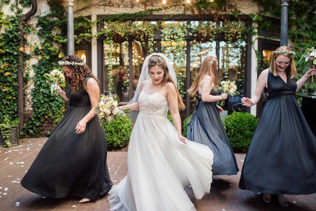 Dress Your Bridal Party To Perfection