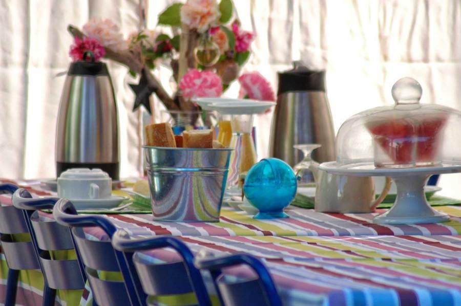 Brunch à LA TABLE à RALLONGE des Petits CHERRI de Camargue