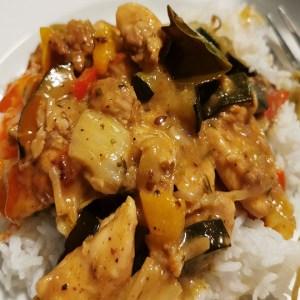 wok de poulet au chou chinois et courgettes