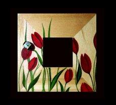 Pebble Art - Specchio sasso con Ape su tulipani