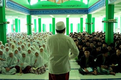 Kuliah Etiket Pra Libur Semester Ganjil 2016-2017