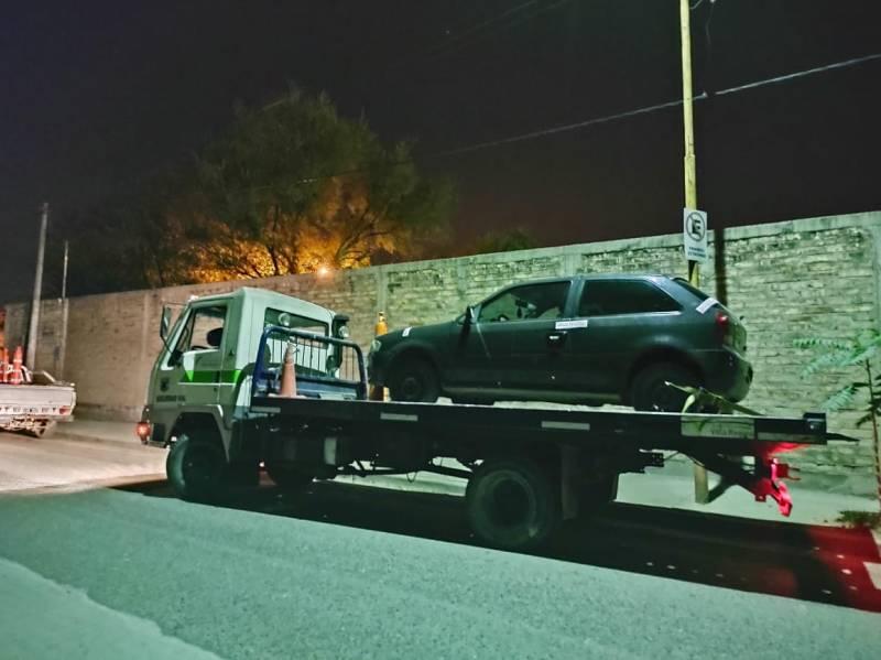 Multan a conductores y retienen sus vehículos por circular fuera del horario permitido