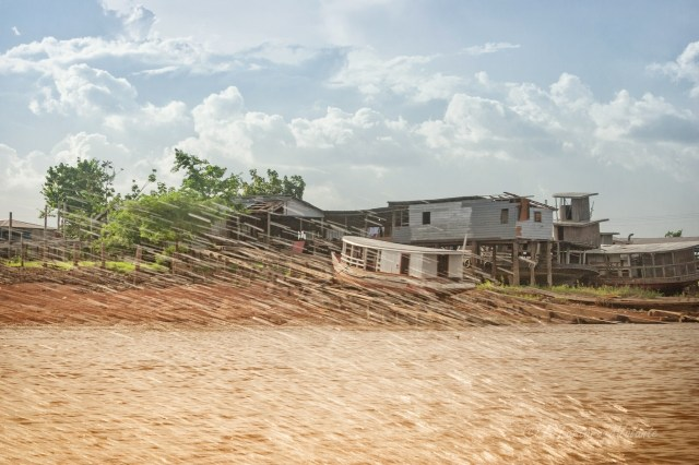 Brasile Amazzonia e Lencois Maranhenses case sul Rio delle Amazzoni