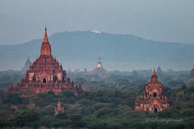 viaggio in Myanmar veduta di Bagan