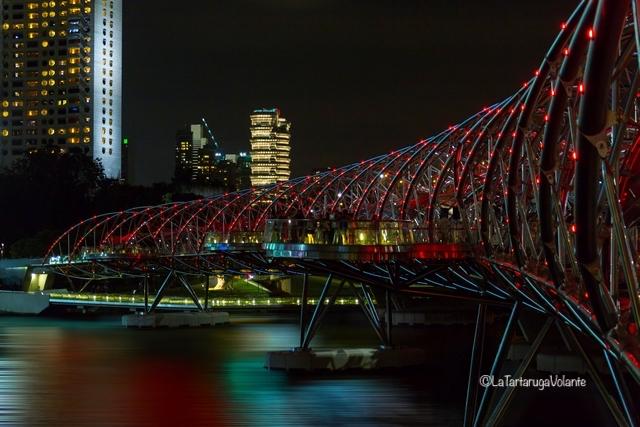 Singapore, ponte illuminato