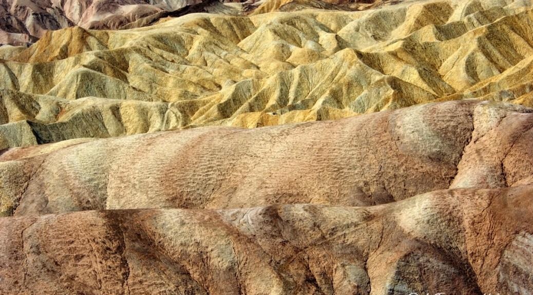 California, Death Valley zabrinsky point 2