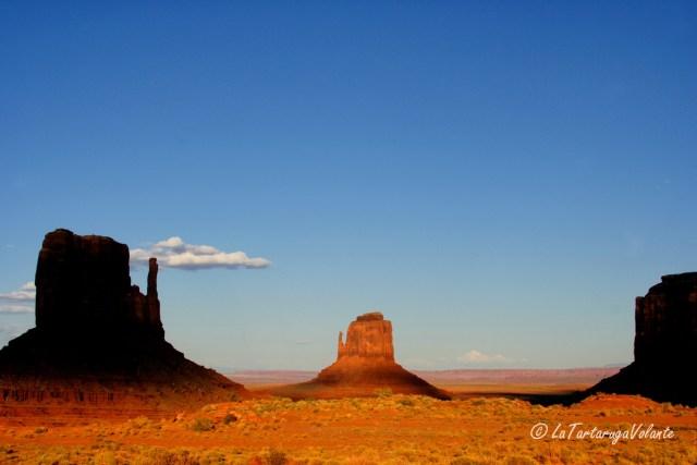 Monument Valley, a cavallo verso sera