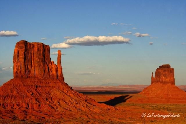 Monument Valley e il cielo blu