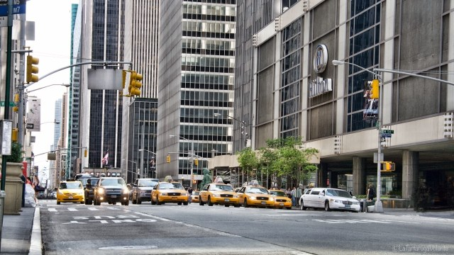 dove dormire a New York, taxi gialli e semafori