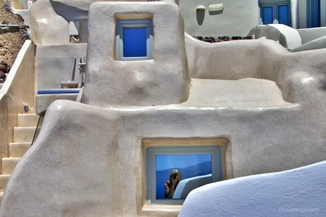 Santorini e i muri levigati