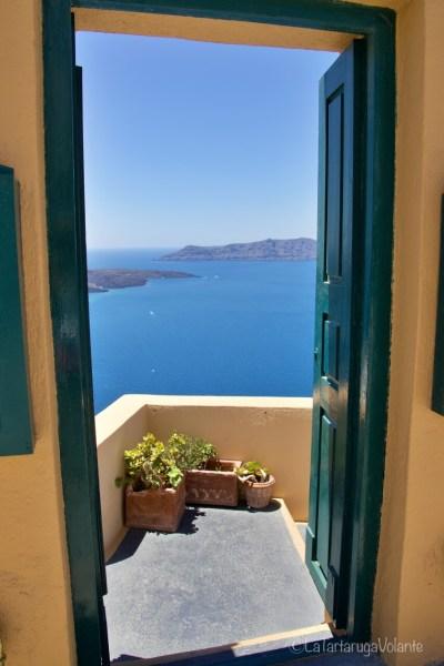 Santorini, porta sulla caldera