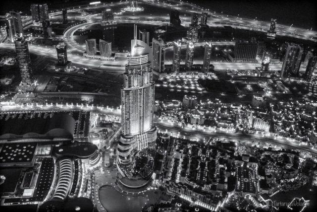 Dubai dall'alto in bianco e nero