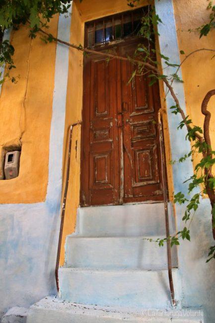 porta arancione di koskinoou
