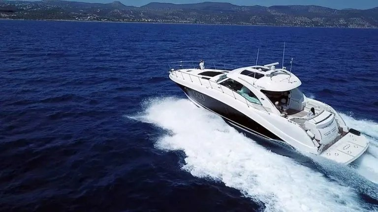 Internity Private Yacht