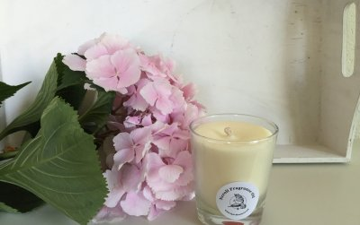 an intoxicating composition of orange blossoms, lemon and jasmine, hints of musk and amber