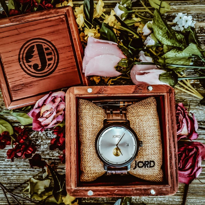 A Wooden Watch With a Unique Experience|| GIVEAWAY