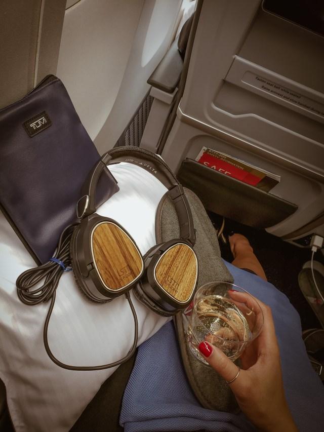 Delta Premium Select Amenities - Bubbles - Late By Lattes