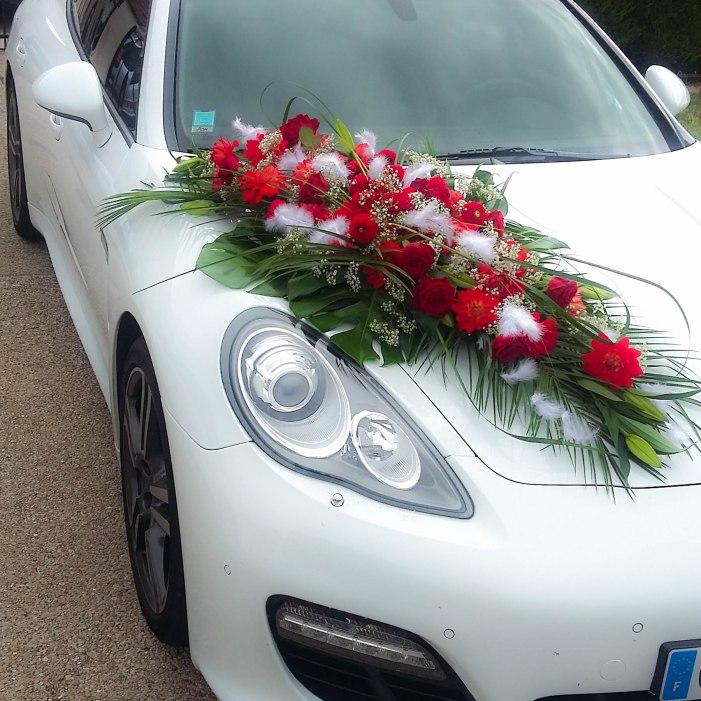 Decoration de voiture pour un mariage amborella by corinne Decoration voiture mariage romantique