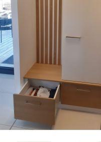 Agencement entrée meuble tiroir penderie banc en mélaminé, Bésayes Drôme