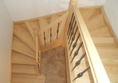 Escalier balancé frêne massif