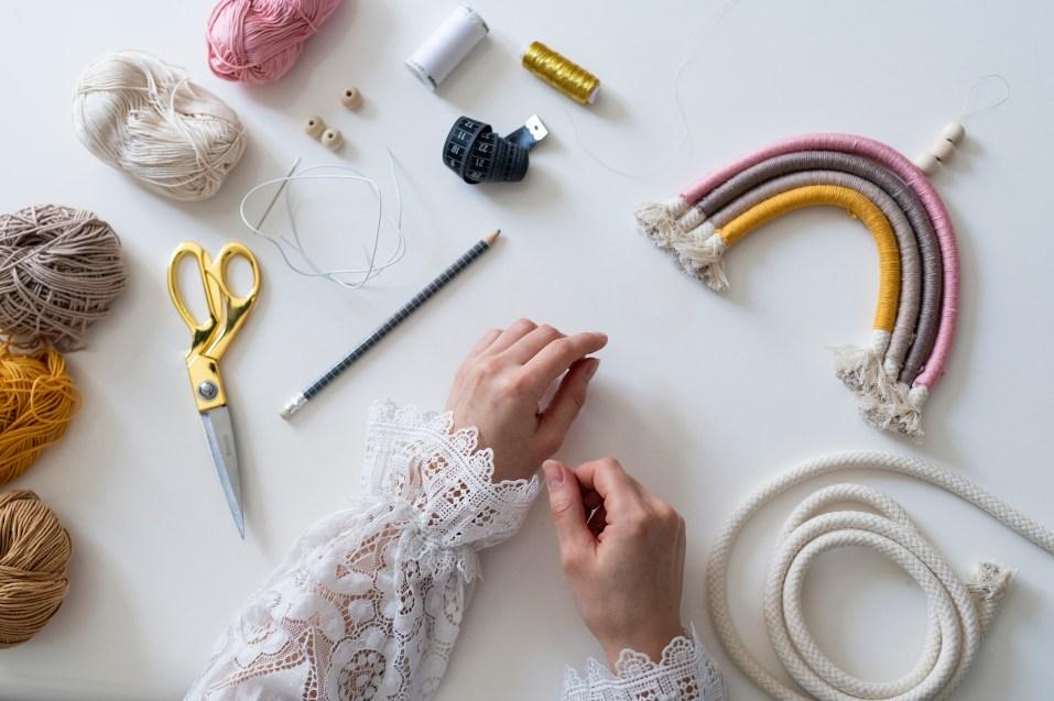 Photo, tutoriel, matériel, laine, corde, suspension arc-en-ciel