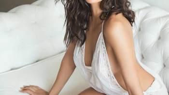 Top 20 | Shibani Dandekar Hot Photos – Bikini Images & Navel Pics
