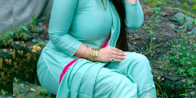 Khushi Gadhvi Hot Figure