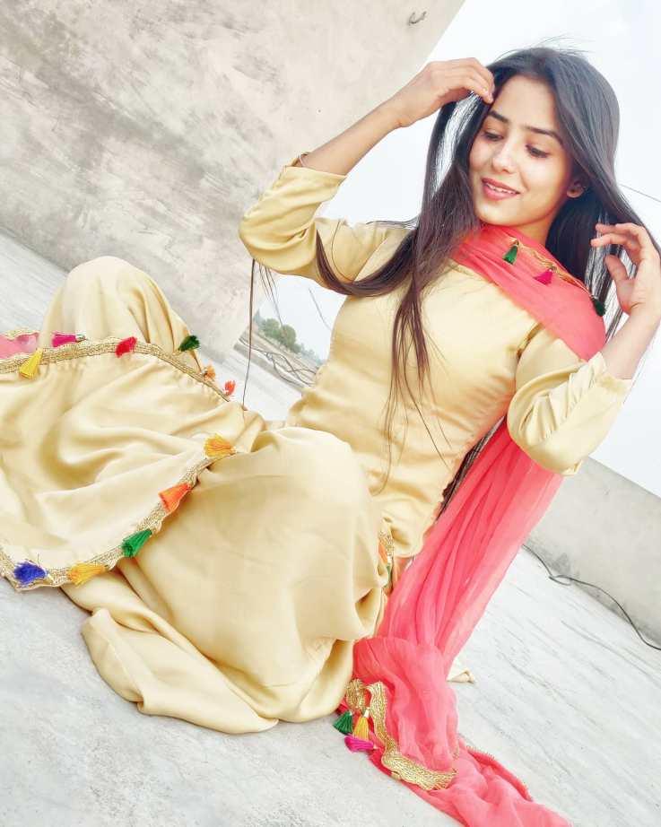 Anju Mor Dancer Images