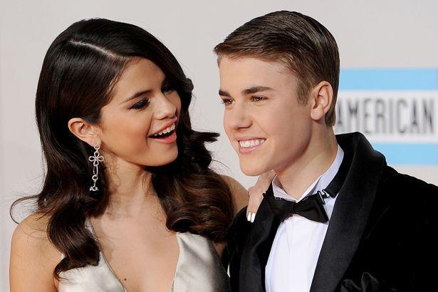 Selena Gomez' Instagram has been hacked, posts nude photos