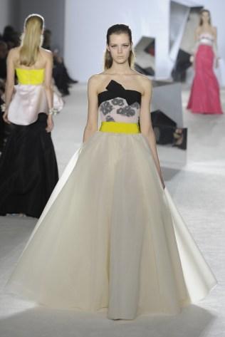 GIAMBATTISTA VALLI Haute Couture S:S 2014 Paris 25