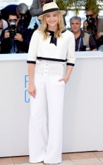 CHLOË GRACE MORETZ in Chanel