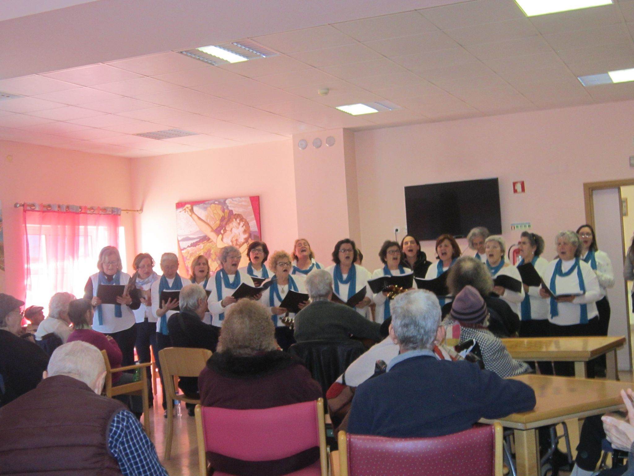 Coro da Associação de Socorros Mútuos Setubalense canta na LATI