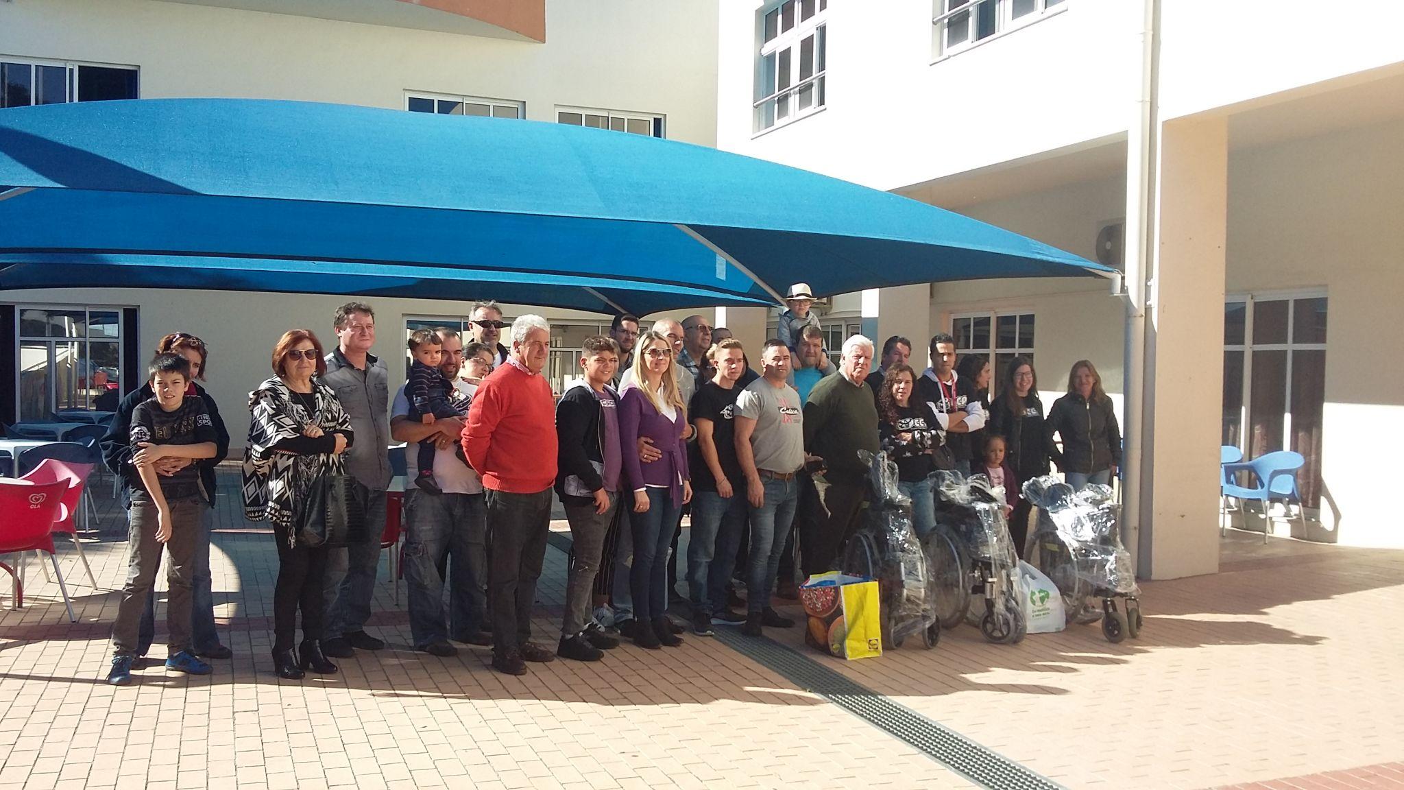 Celicas Clube Português doa cadeiras de rodas