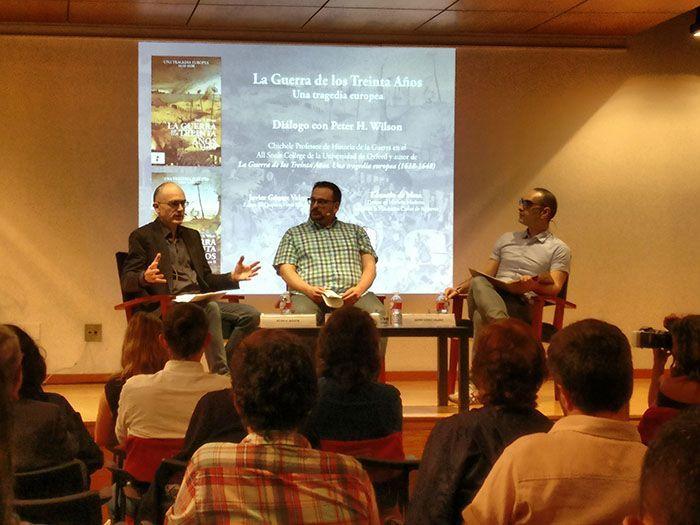 De izqda a drcha: Peter Wilson, Eduardo de Mesa Gallego y Javier Gómez Valero