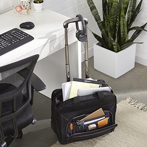 Maletín con ruedas para ordenador de AmazonBasics.