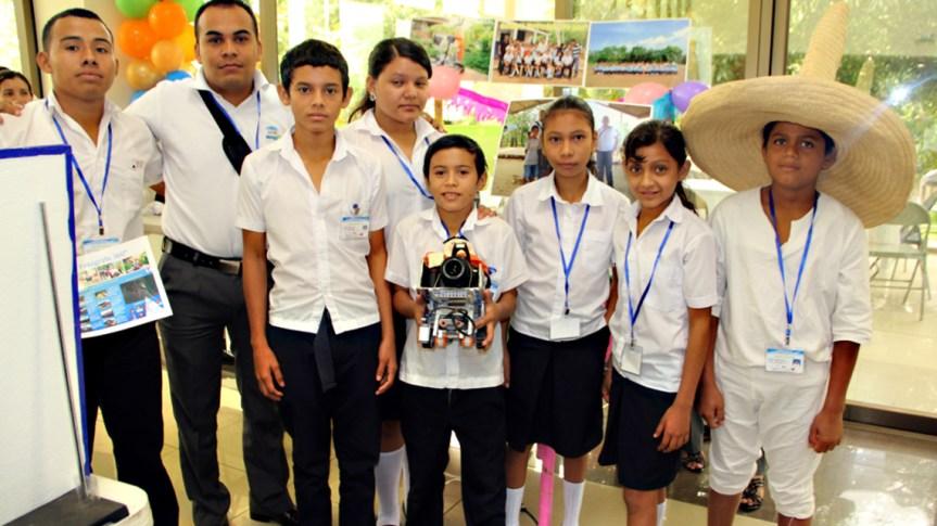grupo de estudiantes de achichilco foto de Jose Mejia