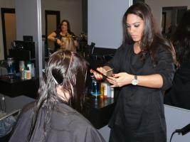 Ona Diaz-Santin at 5 Salon and Spa (photo courtesy http://codecarvings.com)