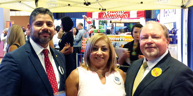 (L to R) Julio Coen, Liz and Randall Berman from Peruvian beverage Inca-Kola at NSA Trade Show