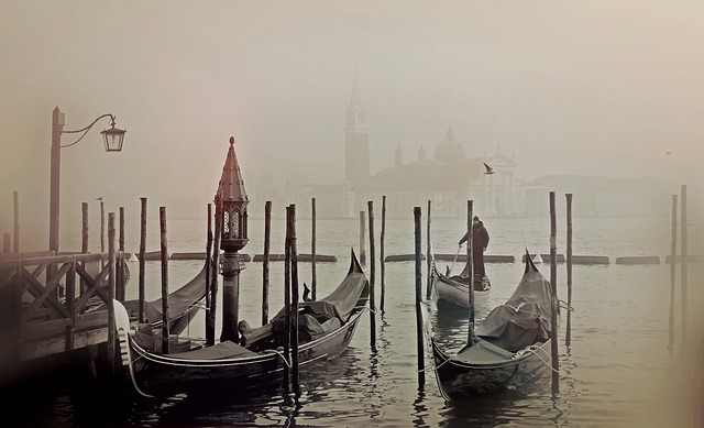 there-is-a-secret-down-every-waterway-in-venice-italy-travel