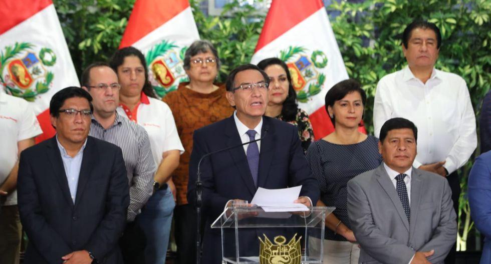 Presidente de Perú ordena cierre total del país durante 15 días