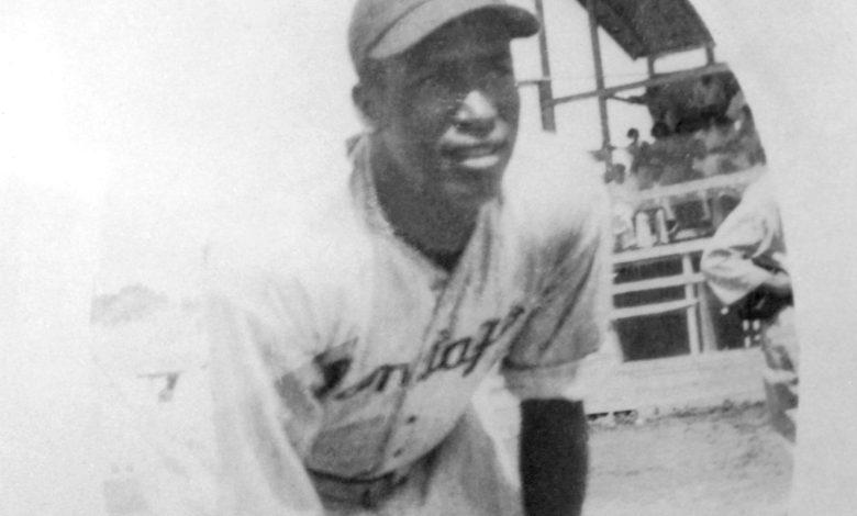 Cuba native Martin Dihigo, Negro League star and MLB Hall of Famer, as a member of Santiago's Águilas Cibaeñas in 1937.