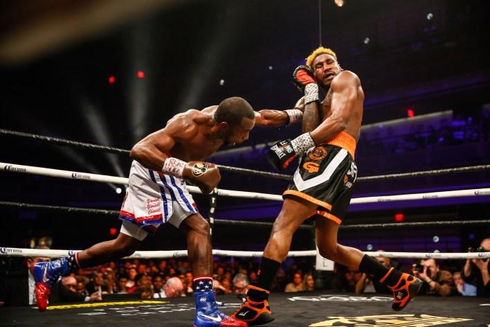 LR_SHO FIGHT NIGHT-LARA VS HURD-TRAPPFOTOS-04072018-1357