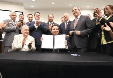 Gobernador republicano DeSantis firma ley que prohibe Ciudades Santuario en Florida