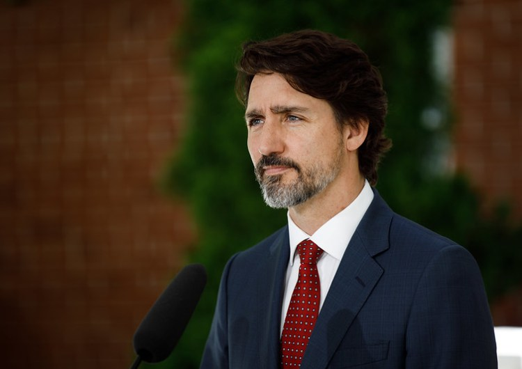 Trudeau anuncia apoyo de 2.000 millones de dólares para el retorno seguro a clases