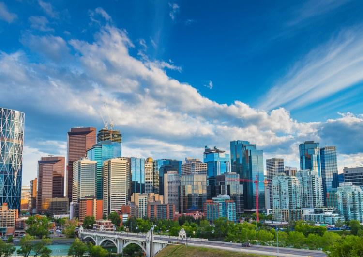 Alberta aún no tendrá reaperturas para evitar la tercera ola de COVID-19