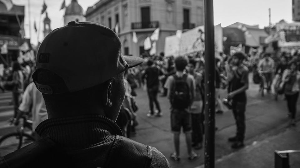 marcha-de-la-gorra-zibechi-estado-policial-jovenes