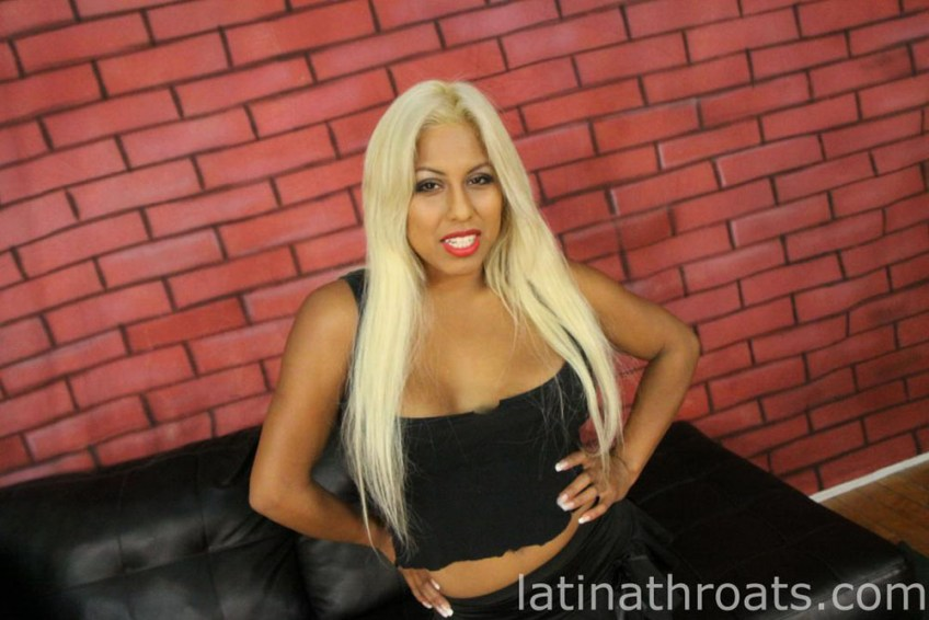latinathroats_desiree_lopez2_001 | latinx.me
