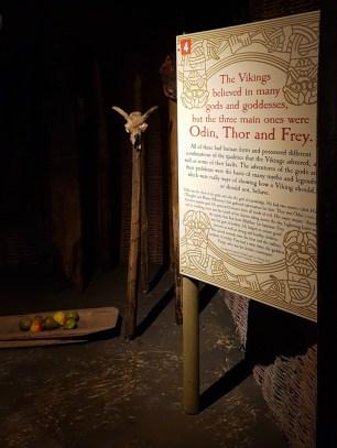 Os Vikings acreditavam em diversos Deuses, mas os principais eram Odin, Thor e Frey