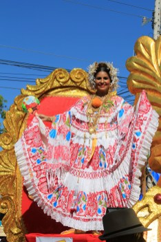 lovely-pollera-101 A Panama Road Trip Panama Panama Fairs and Festivals